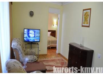 Санаторий «Кругозор» Кисловодск Люкс 2-местный 2-комнатный (1 этаж) корп.5 (люкс)