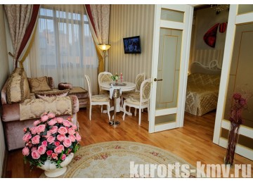 Санаторий «Целебный Нарзан» Кисловодск 2-местный 2-комнатный Романтический люкс