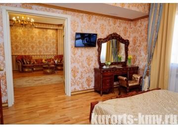 Санаторий «Целебный Нарзан» Кисловодск  2-местный 2-комнатный королевский люкс